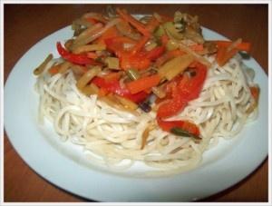 Chow Mein Noodles cu legume chinezesti